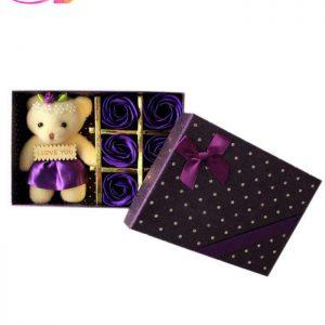 عروسک خرس مدل ۰۴ به همراه جعبه گل | سفیرکالا
